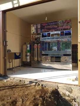 Mendulang uang di usaha depot air minum isi ulang galon