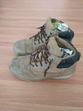 Sepatu boots Brahma