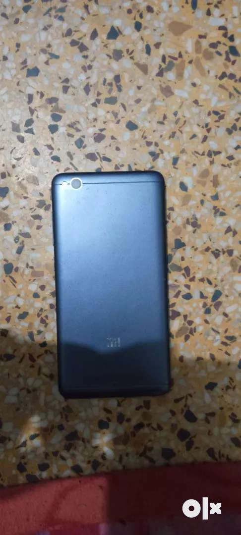Mi 4a 2GB ram 16 ROM good condition bus touch tuth rhe h 0