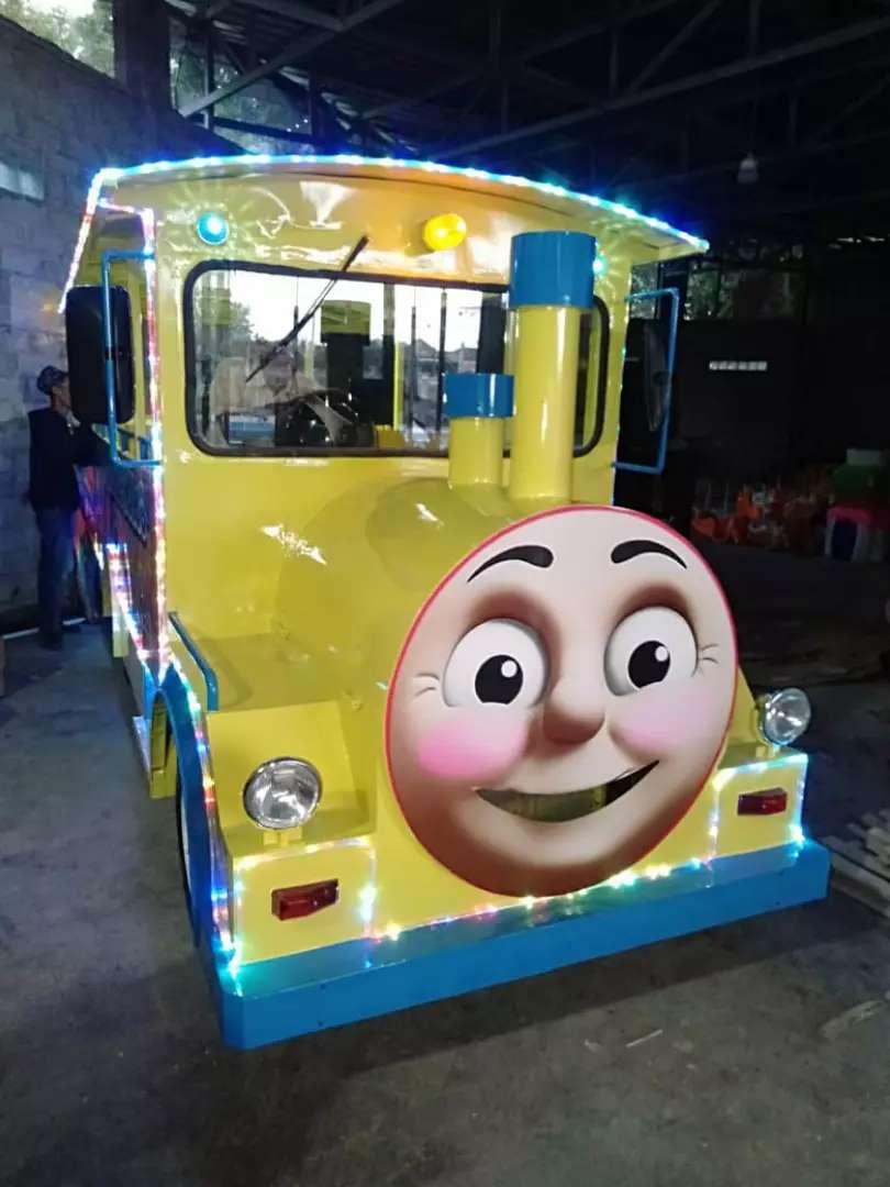 Kereta wisata loko thomas odong panggung aF 0