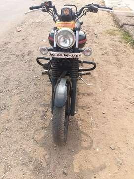 Bike bajaj avenger 220 street