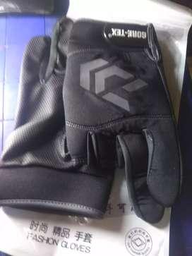Sarung tangan untuk memancing/BC, merk DAIWA.