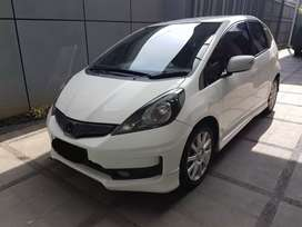 All New Jazz RS A/T 2013 putih mulus km 75 rb bisa kredit dibantu
