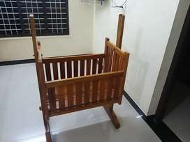 Wooden cradle for ബേബിസ്