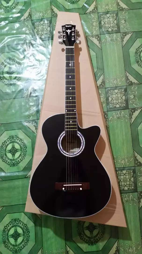 Gitar akustik standart taylor 0