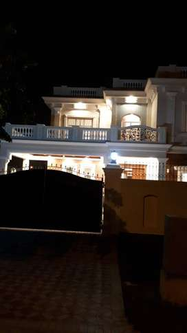 STUNNING 5 BEDROOMS ON THE MAIN ROAD - PHASE 5 - SECTOR F - DHA