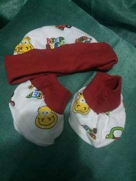 Set topi + slontong kaki bayi