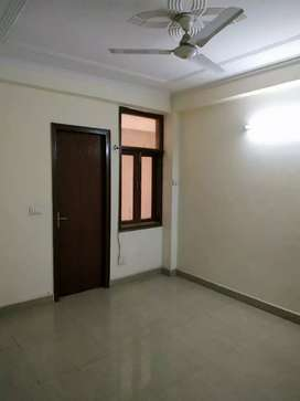 1 single room for rent in saket