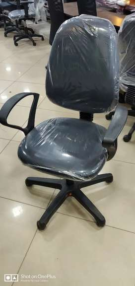 """""""Refurbished Office Revolving Chair at 1500"""""""