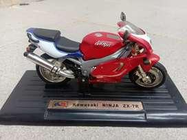 Miniatur Kawasaki ninja ZX 7 R