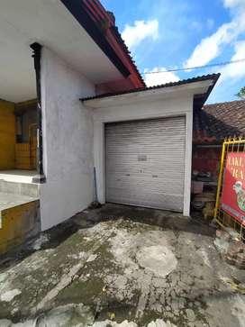 Disewakan Toko di Jalan Ahmad Yani Utara