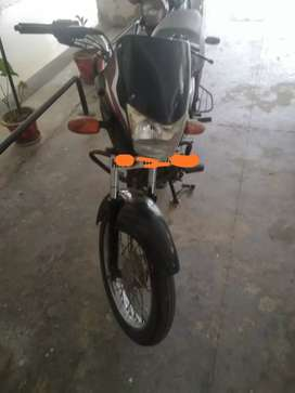 Platina 100 cc for immediate sale
