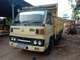 Di jual Mitsubishi truck 6 roda ps 100