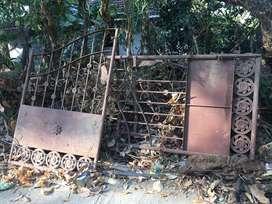 Iron gate-modern