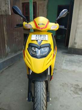 Very nice Scooty selling