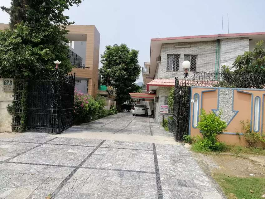 Superior  boys Hostels in F8 ISLAMABAD for students and  job holders 0