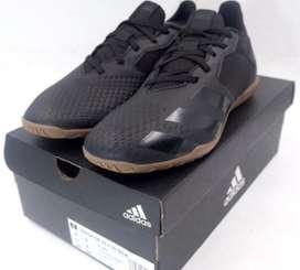 Sepatu futsal adidas predator warna hitam