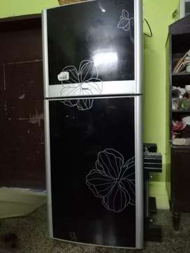 'Orient In Vogue' refrigerator large size condition like new
