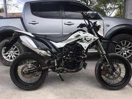Kawasaki D-Tracker Hitam putih Thn 2017