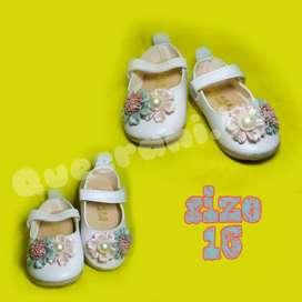 Sepatu bayi dan anak