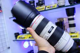 Canon 70-200mm F2.8 NON-IS USM Lens