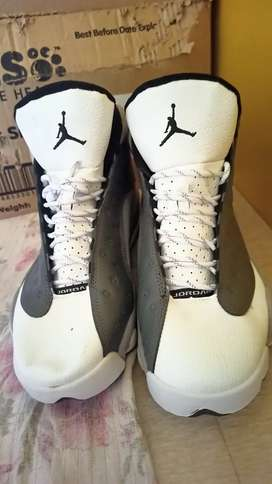 New Jordan shoes price negotiable