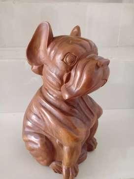 Patung Anjing Buldog dari Kayu Jati Tinggi 30 cm.