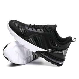 Comfortable sports shoes for men