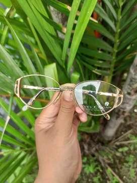 Kacamata vintage merk Yves Cogan France