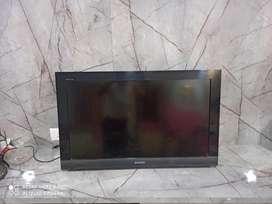 32 inch lED Sony T V.