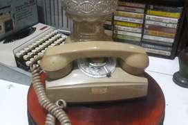 Telepon jadul antik putar koleksi vintage dekorasi lawas retro classic