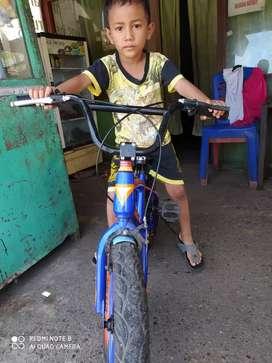 Di jual sepeda merk GTX
