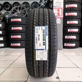 Ban Toyo Tires 235-50 R18 Tranpath R30 Vellfire Alphard