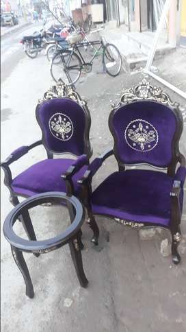 Bed room chairs with cofe table