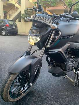 Brand new FzS version 3 for immediate sale