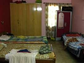 Pg accommodation in Mogapair for working men
