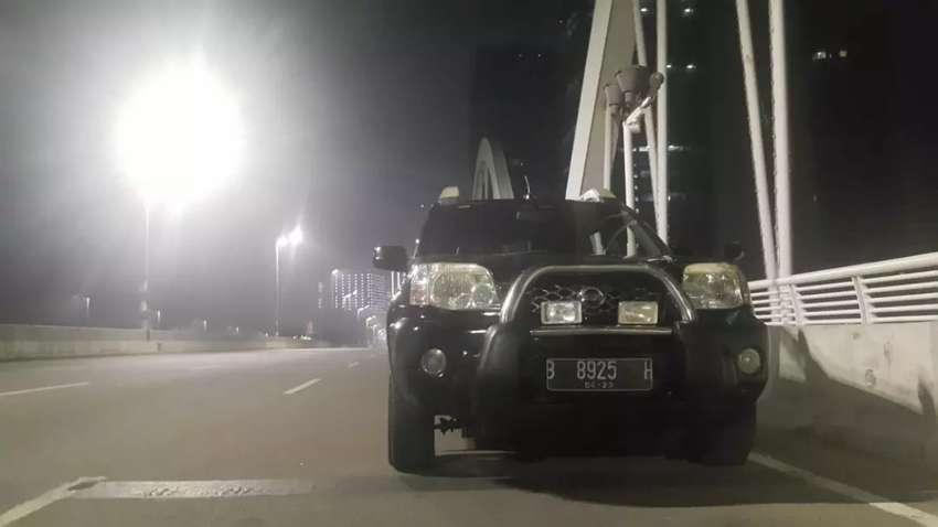 Nissan xtrail XT 2003 hitam mulus (plat ganjil) 0
