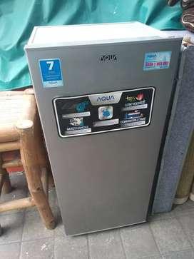Kulkas Aqua Japan 1 pintu baru 3 bulan pakai