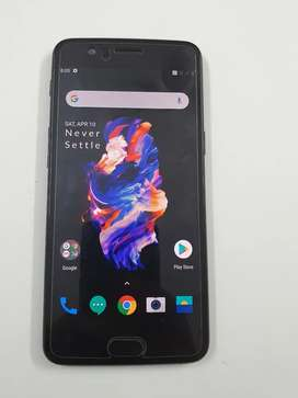 Oneplus 5 8gb/128gb in excellent condition with all accessories