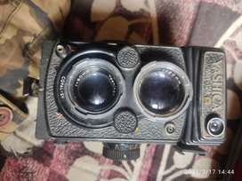 Yashica TLR MAT 124G 1957 EDITION , ONLY 25000