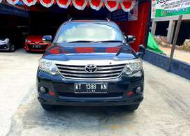 Toyota Fortuner 2,7 G Luxury AT tahun 2012 Hitam Metalik km Rendah