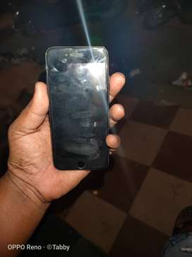 I phone 7 128 gb mint condition