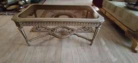 Centre table with two side tables all deco in a very good condition