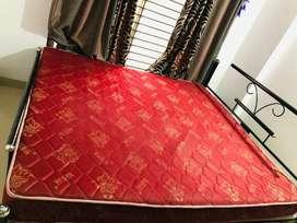 Kurlon Mattress with bed