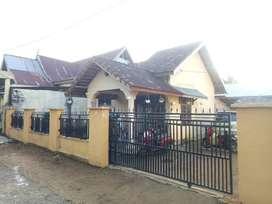 Rumah beserta bedeng 2 pintu luas tanah L 13 x  30 mtr