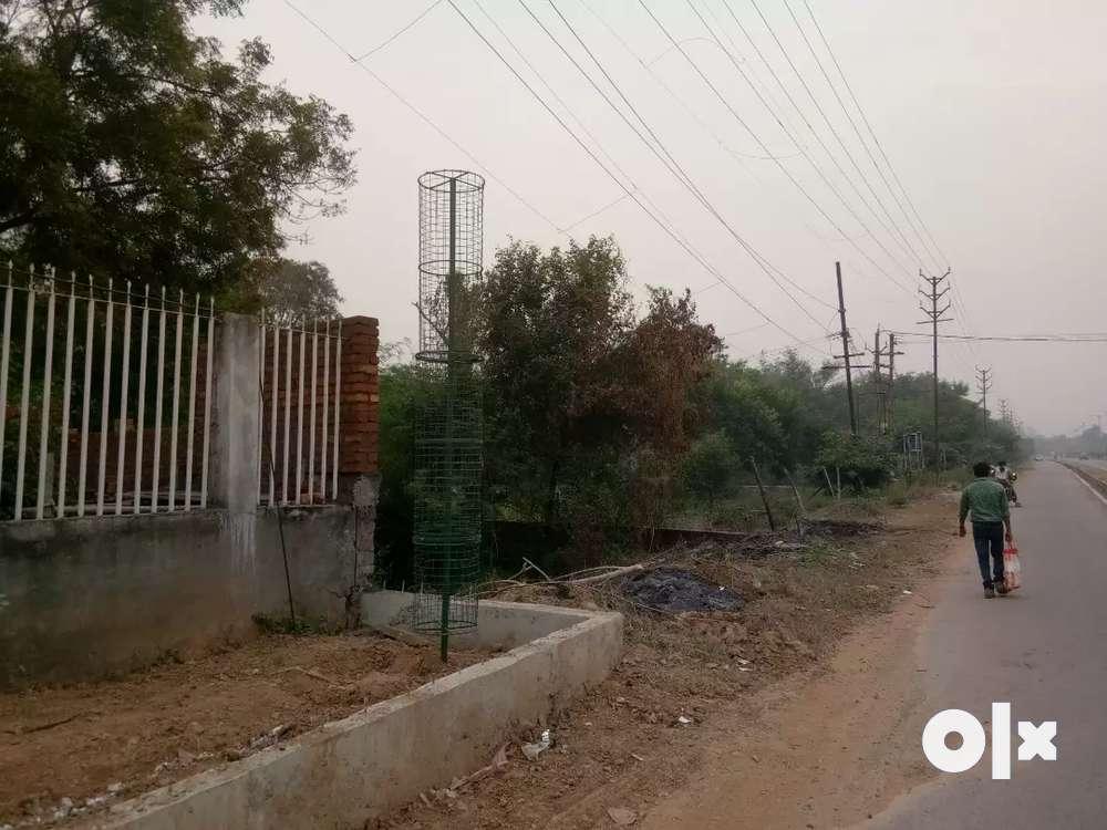 commercial diverted plot on road beside itm univercity