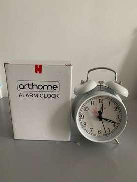 Jam Baker Putih ACE Hardware