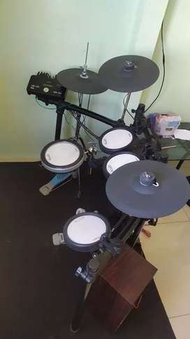 Drum electric / elektrik Yamaha DTX 562