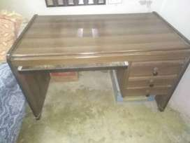Office, Computer, Study Table Very Good Condition
