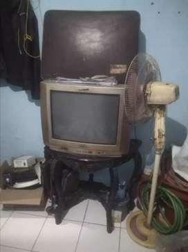 Perabotan (koper , meja , tv ,kipas , lemari , rak piring)